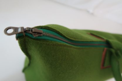 Yoga Tasche aus Wollfilz, grün, stabiler Reißverschluss