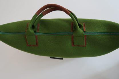 Yoga Tasche aus Wollfilz, grün, Griffe mit Leder